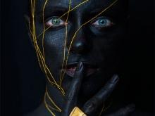 Drag Me To Your Dark Side by Stephan Kotas in Nyaman Gallery Bali